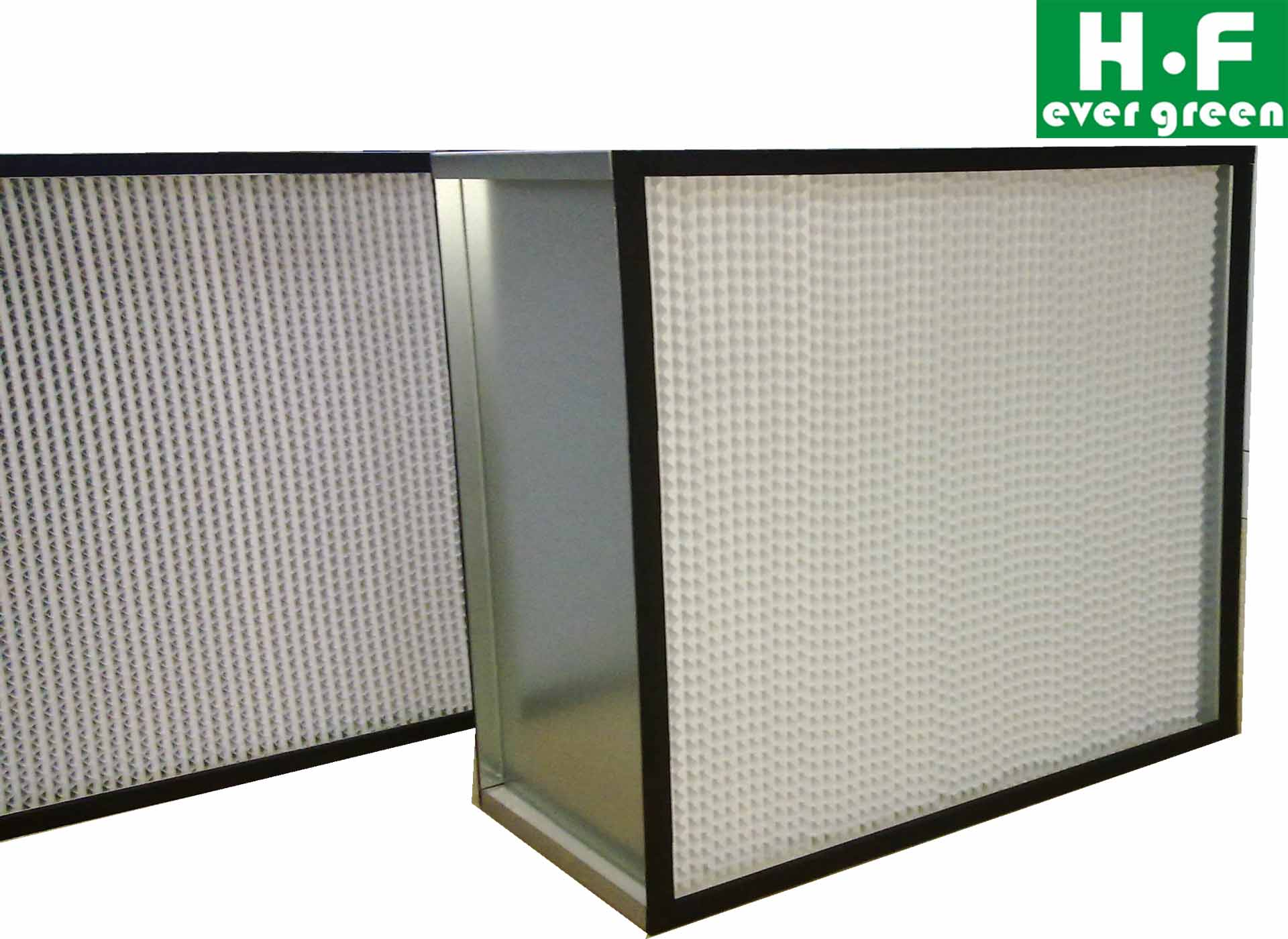 Deep pleat HEPA air filter with separator for clean room