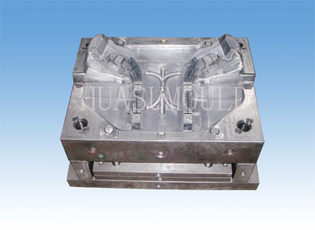 Automotive lamp mould-3