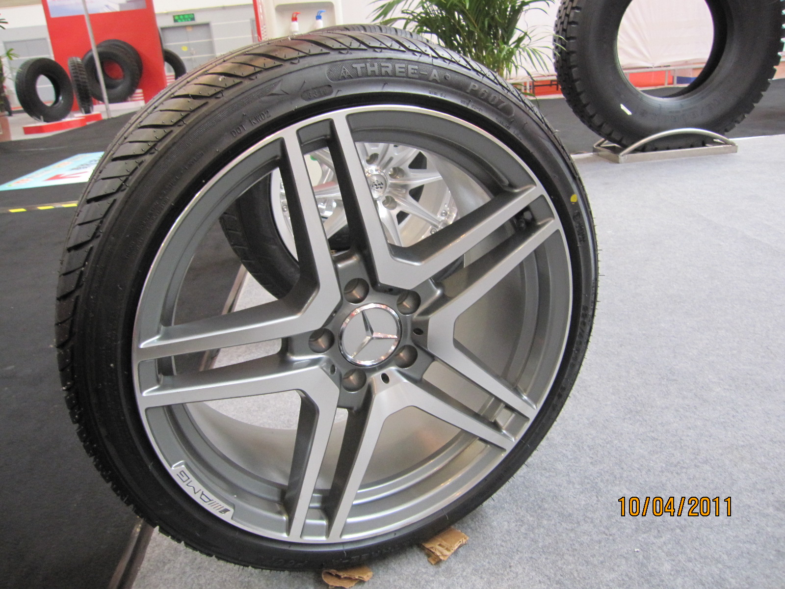 205/60R15 Rapid and Three-a Brand Car Tires