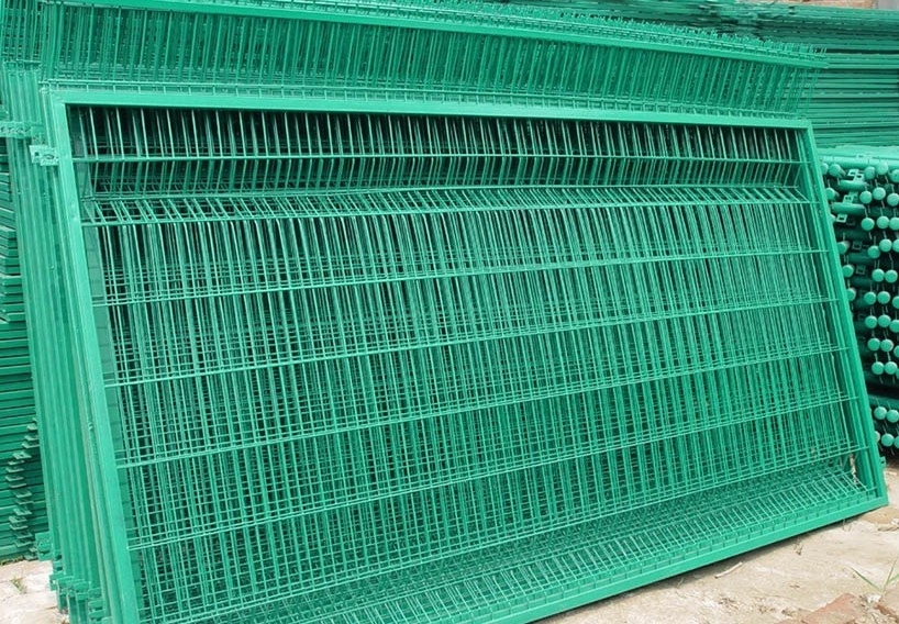 Residential Wire mesh fence