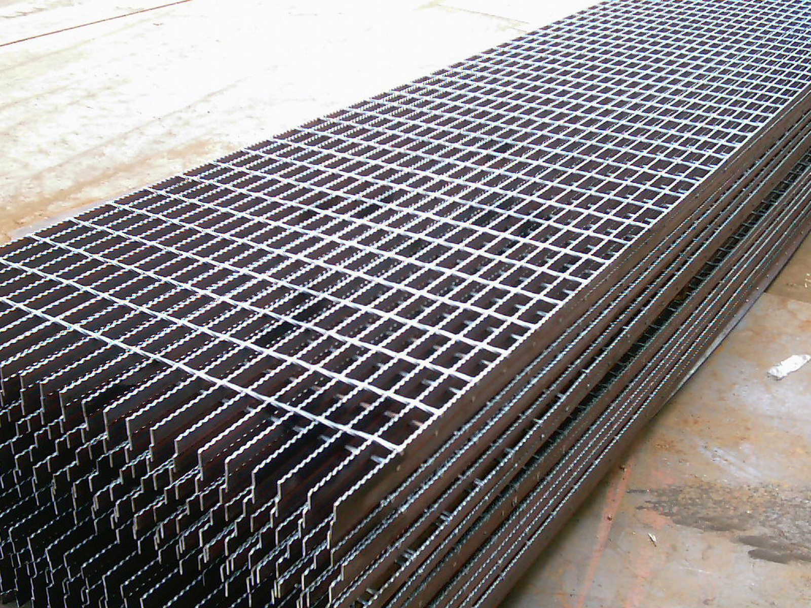 Steel bar grating construction materials agents related for Catwalk flooring