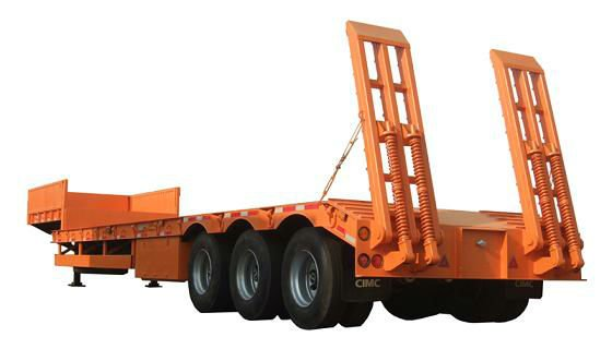 Tri-Axle low bed semitrailer for sale