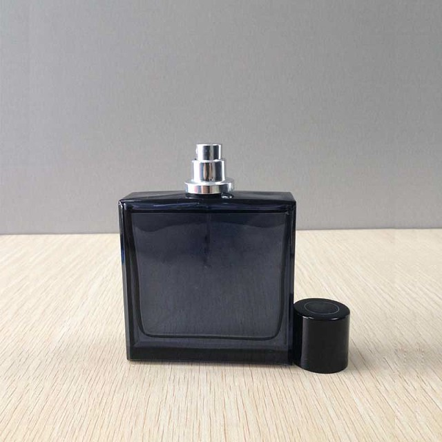 square black perfume glass bottles with cap with pump