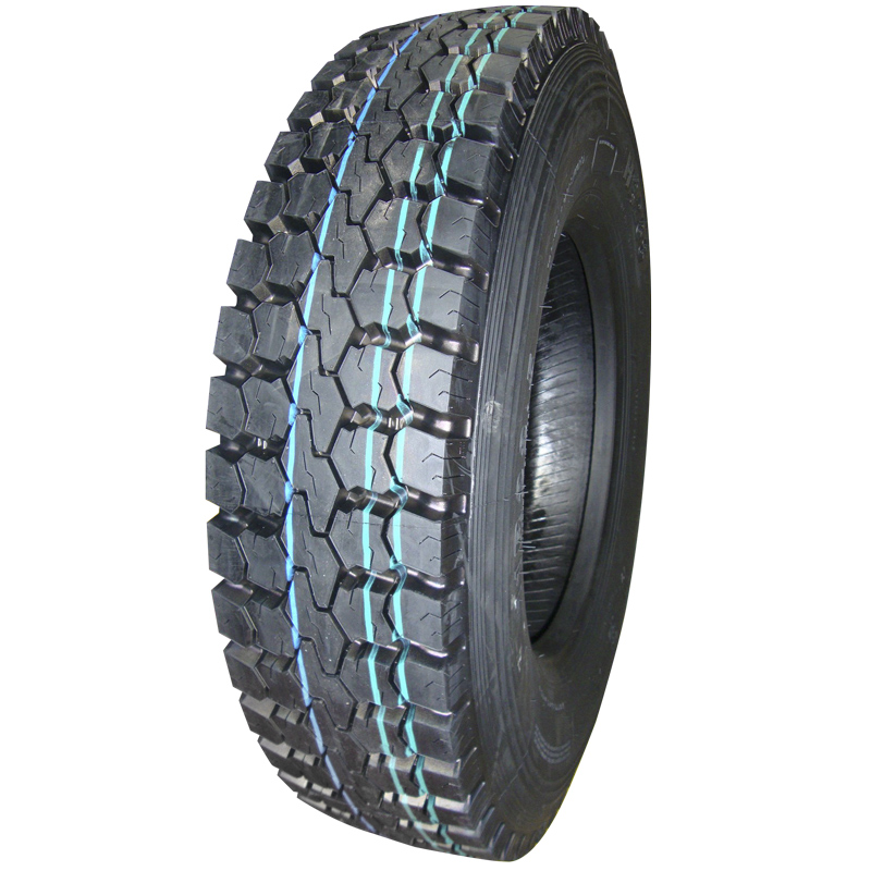 DOUBLE STAR 13R22.5 truck tire