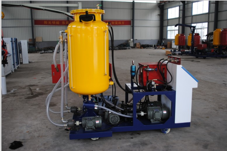 Hydraulic PU Foaming Machine-small output