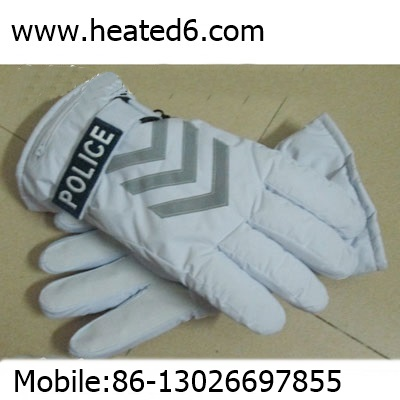 heated gloves for outdoor worker