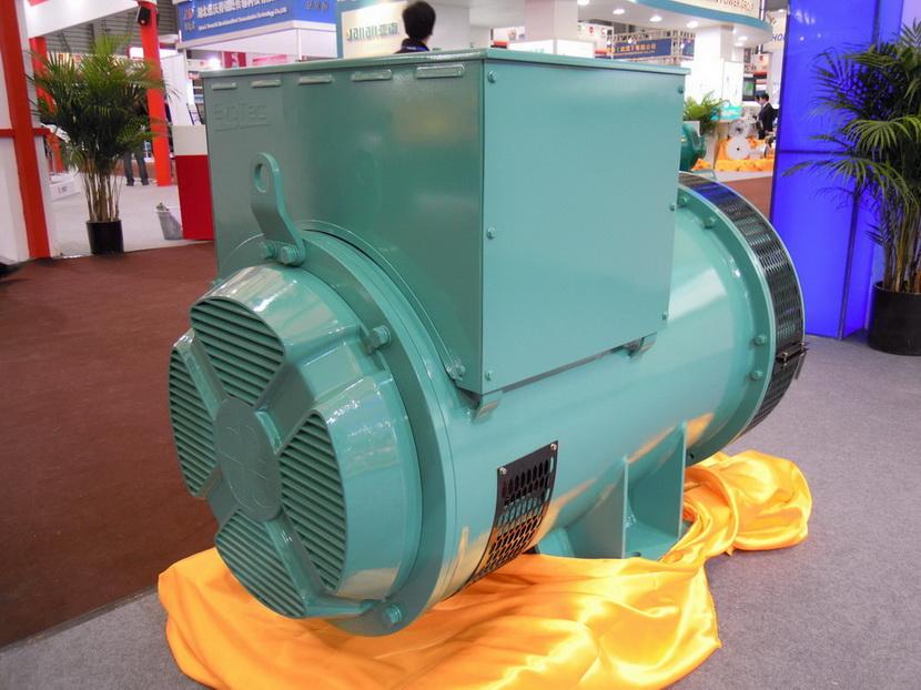 无刷励磁交流发电机 2400kw