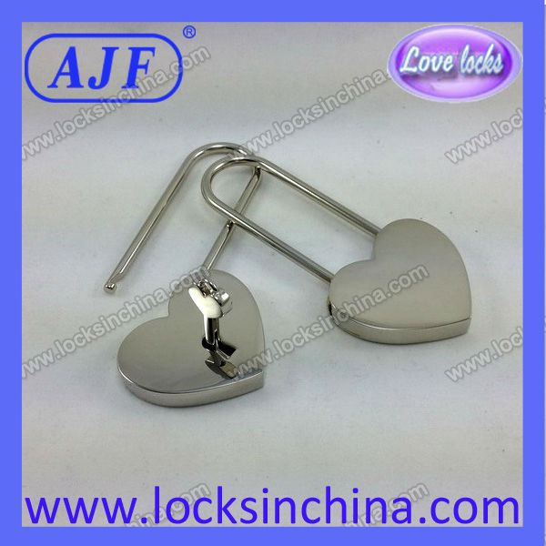 AJF Newest long shackle lover's heart shape lock for valentines day promotional items