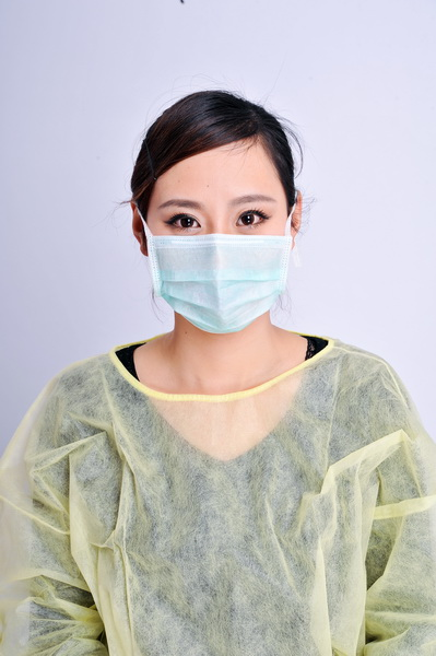 Non woven face cover with ear loop 3 plies