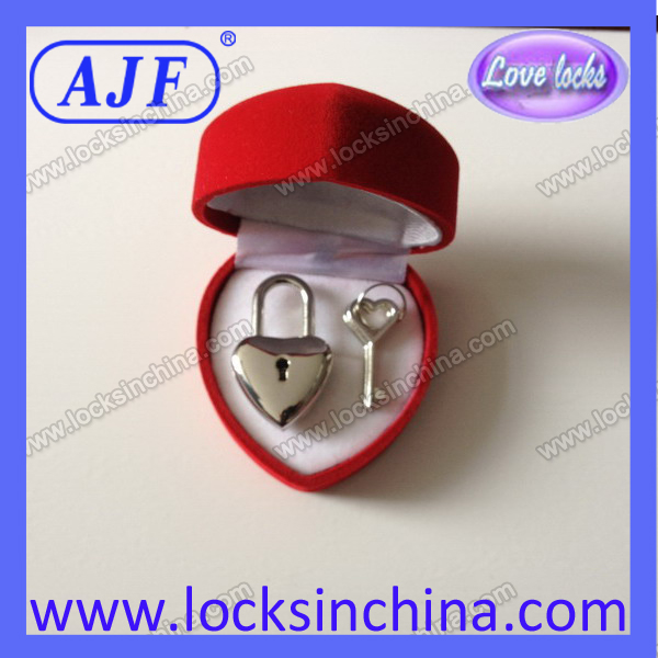 Zinc alloy smallestHeart Key Lock For diaries