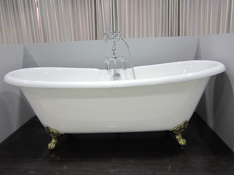 clawfoot cast iron bathtubs
