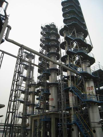 Column type furfural treatment used oil re-refining plant