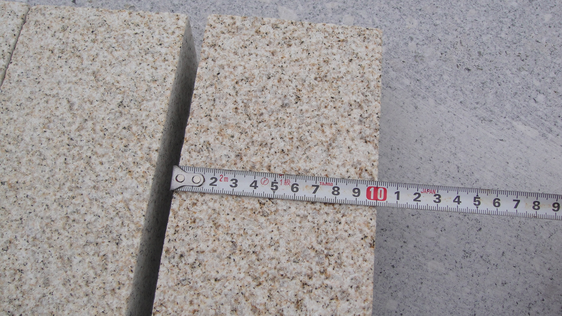 Bushhammered granite pavings 20x10x5cm with competitive price