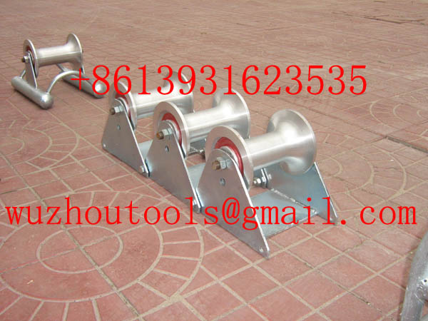 Heavy DHeavy Duty Triple Corner Cable Roller uty Triple Corner Cable Roller