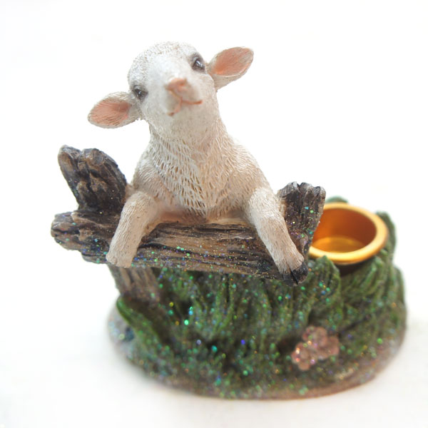 Symbol 2015 new promotional gifts sculpture Stolniy zhivodnye decoration resin sheep to put vechi