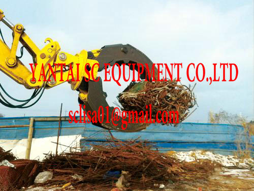 Hydraulic wood grapple for excavators