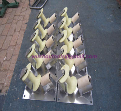 Manhole rollers Lightweight trench corner rollers
