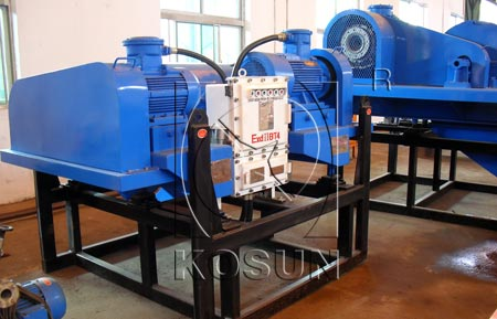 Decanter centrifuge for mud cleaning