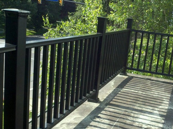 Steel balcony fence