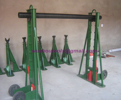 Hydraulic cable drum jack,with fixed seat during operation