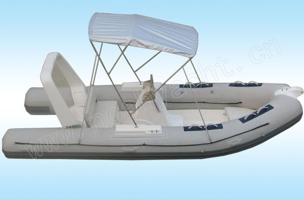 моторная лодка для отдыха