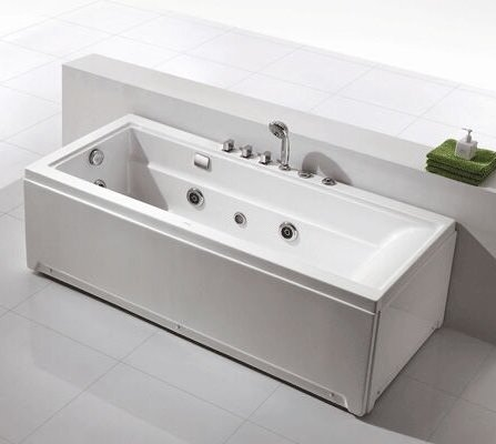 Single person wall back massage bathtub with faucets