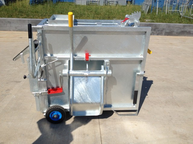 Hot dipped galvanised mobile calf box for calf