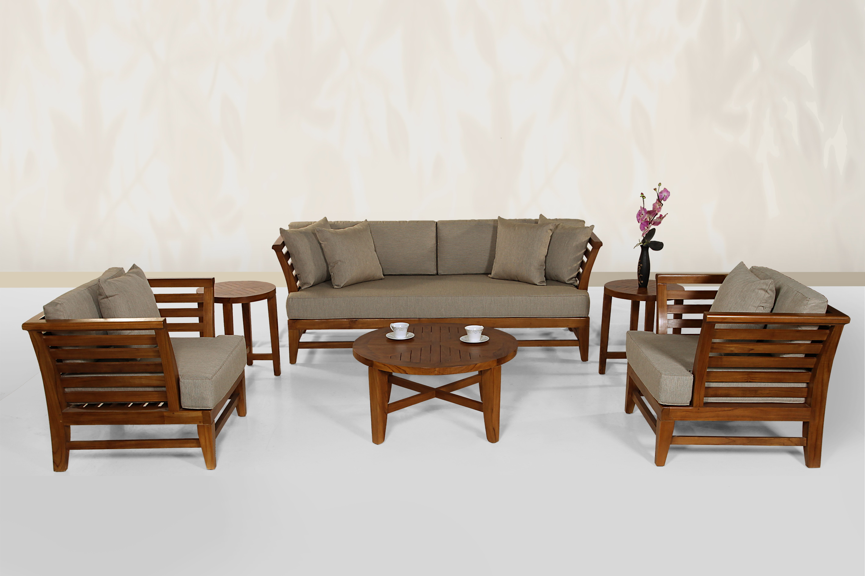 Teak sofa set teak wood sofa set teak sofa in klang for Wooden furniture