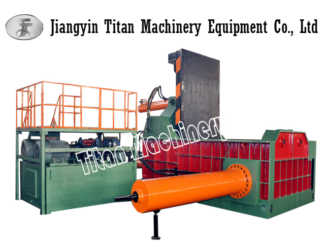 baling machine for scrap metal