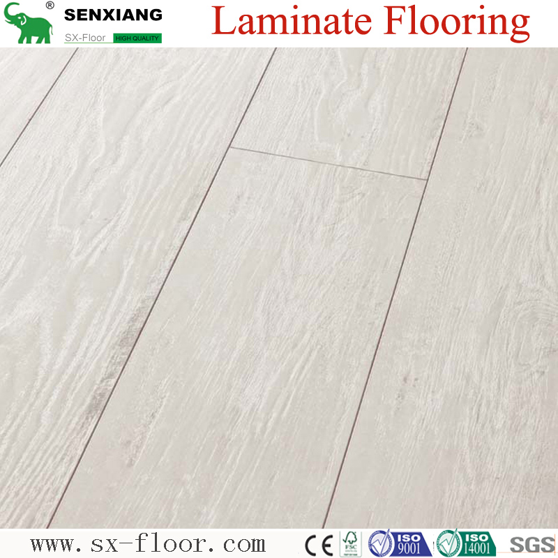 Global Popular Fashion Hardwood V-groove Design Laminate Flooring