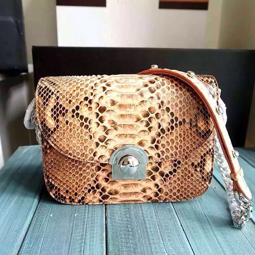 wholesale and retail brand genuine leather handbag