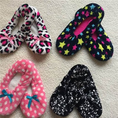 Printed Fuzzy Slippers