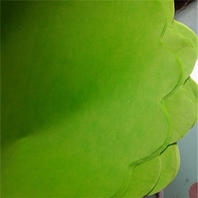Round Nonwoven Sheets With Waved Edge