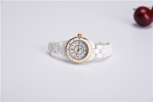 Ceramic anticlockwise watch with Rose gold bezel