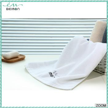 Plain Sweat Absorbent Beige Textile Embroidery Designs Small Sports Towel, Gym Towel Microfiber Towel