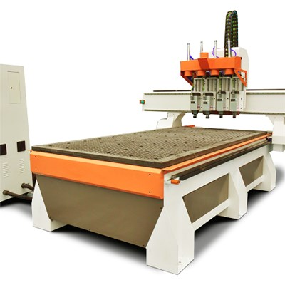 4 Tools Auto Changed CNC Wood Router