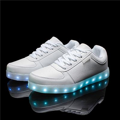 2016 Wholesales LED Shoes Light Up Flashing Hot Top Glow Sneakers For Men
