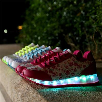 New Style Womens LED Shoes USB Charging Ling Up Shoes Wholesales Women's LED Sneakers
