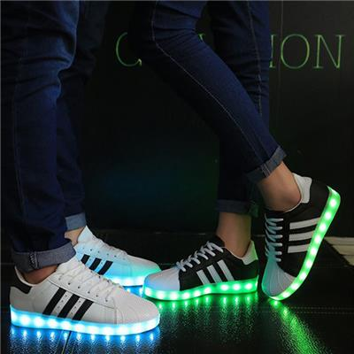 Wholesales Unisex LED Shoes USB Charging Colorful Flashing Lover LED Sneakers For Adult