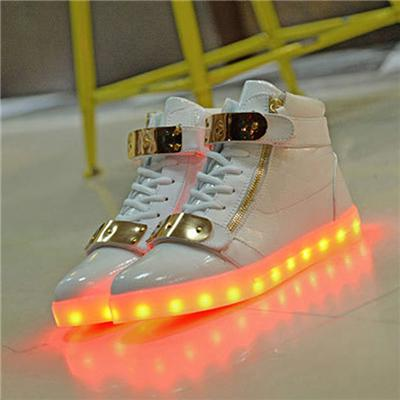 Korean Fashion LED Shoes Factory Direct Deal USB Charging Flaring Running LED Sneakers