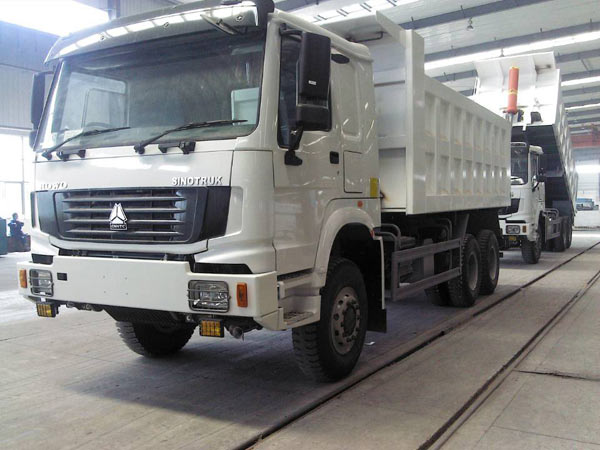 SINOTRUK HOWO 6x6 Dump Trucks 336HP Off Road Trucks