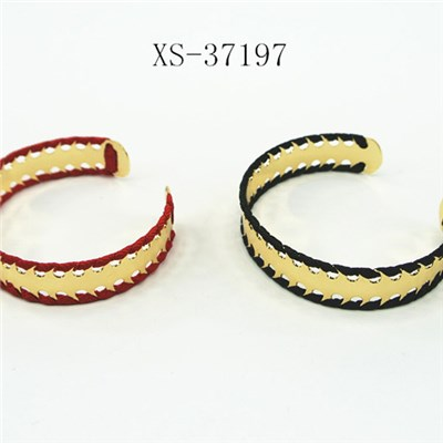 US And Europe Most Fashion Alloy Bangles With Thread And Logo