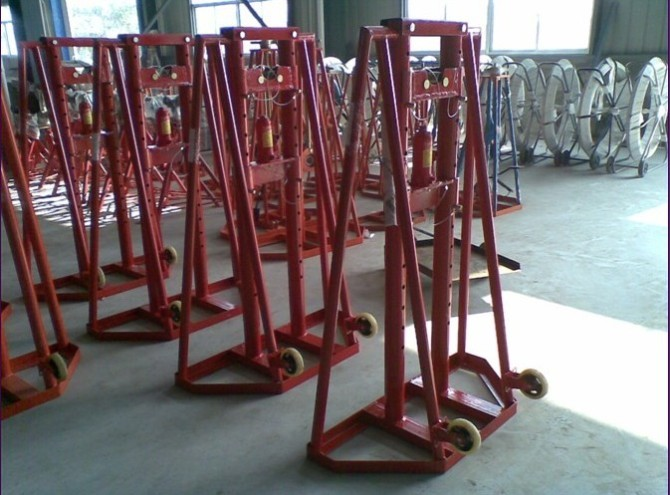 Large cable jacks