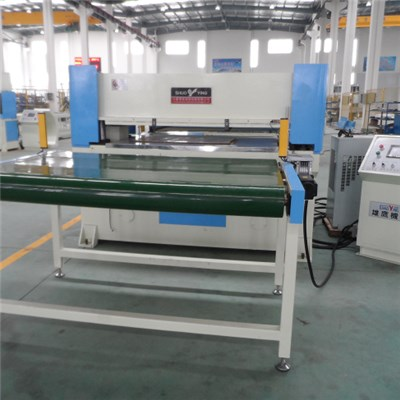 Both Sides Belts Auto-feeding PLC Hot Die Cutting Machine