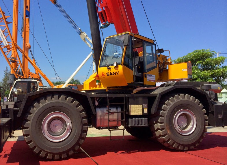 Sany rough-terrain cranes have multiple functions