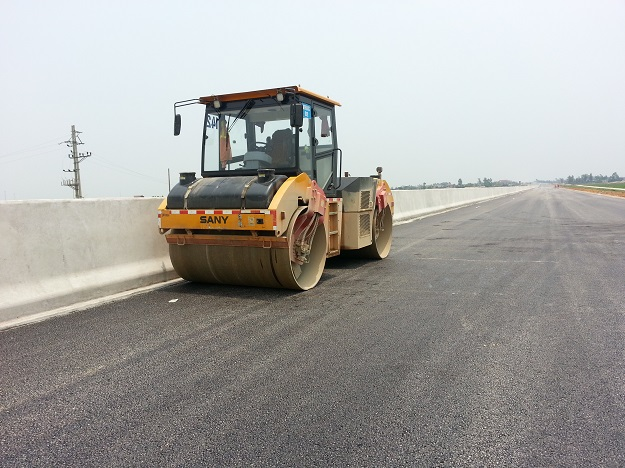Sany Equipment Used in Hanoi-Haipong Expressway Project