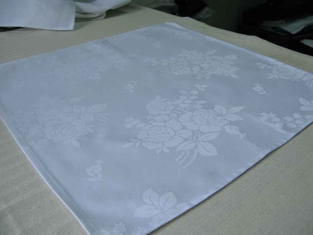 100% cotton Damask Table Cloth and Napkin cloth