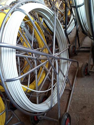 Telecommunication pipeline cleaning duct rodder