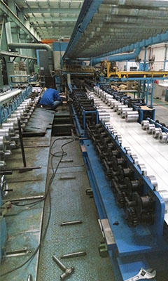 Garage Door roll forming machine with hydraulic profile cutter