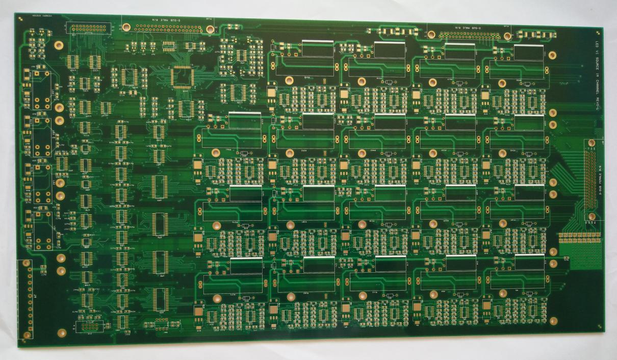Immerision Gold multi-layer Printed Circuits Board (PCB) with board thickness 95 mil for communication Solution